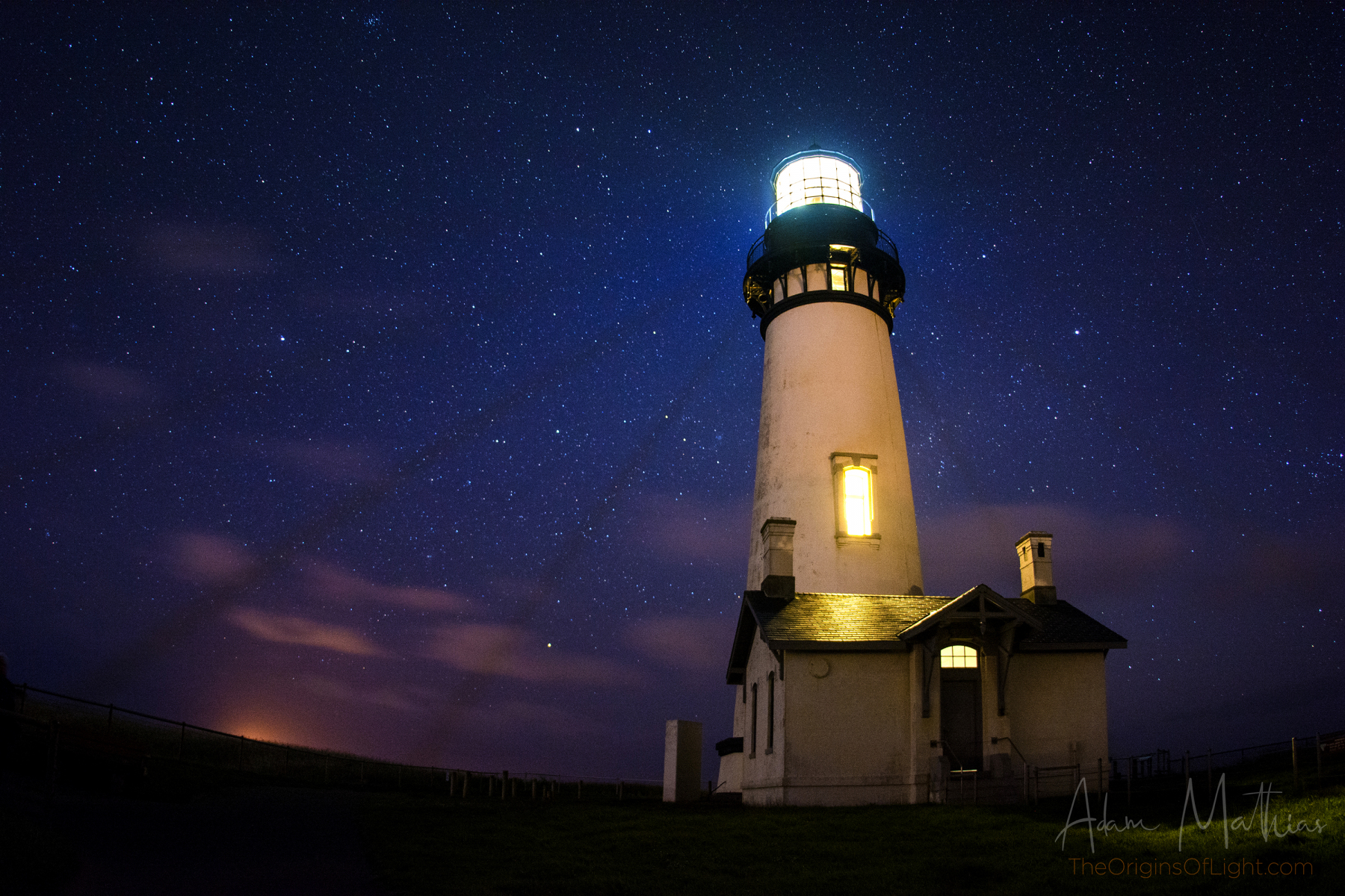 Yaquina-Head-At-Night